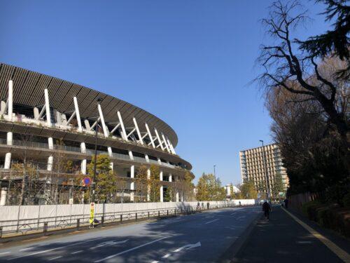 国立競技場とホテル