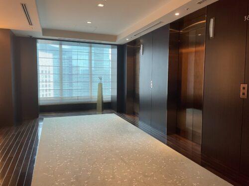 コンラッド東京エレベーターホール